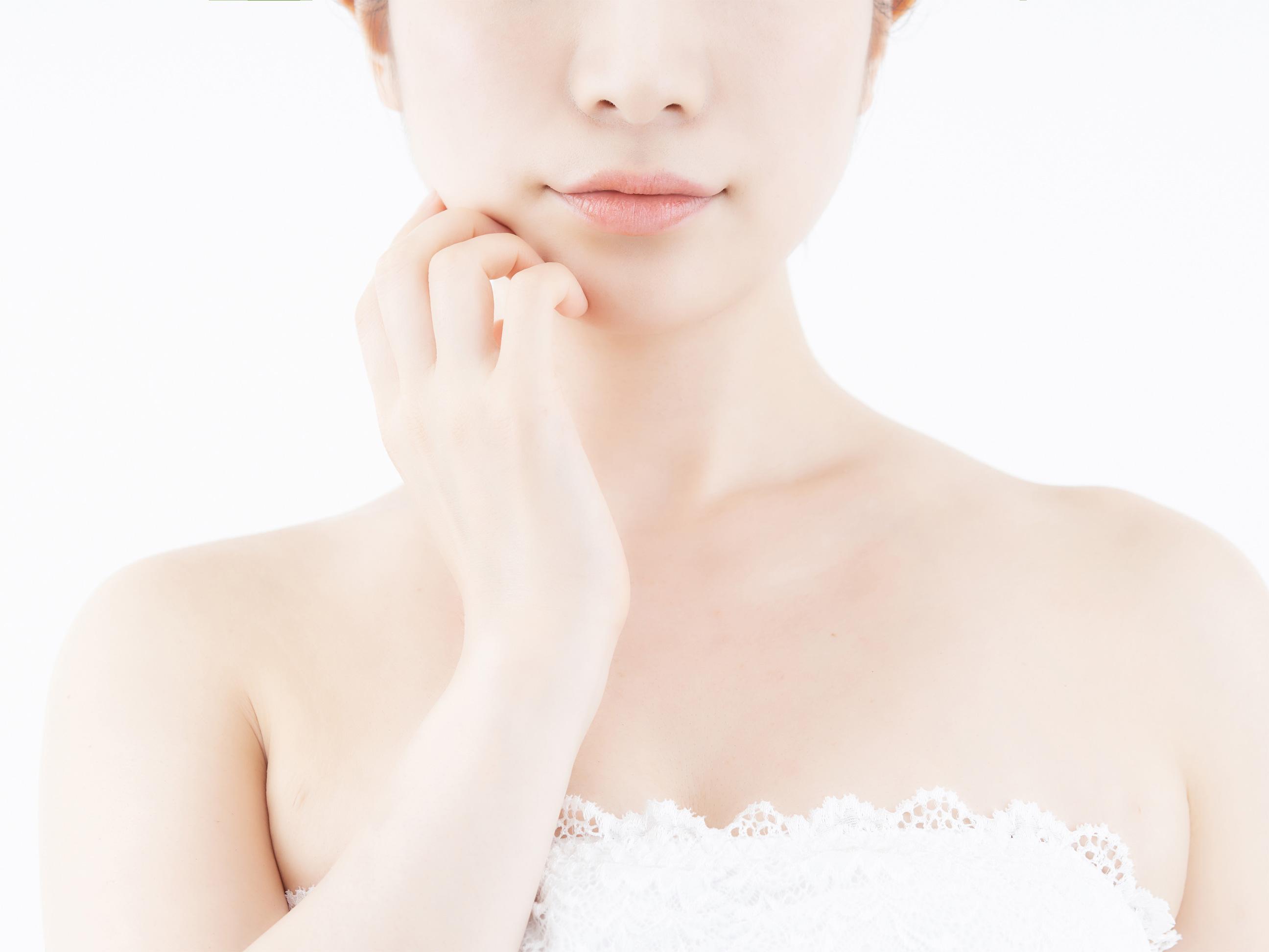 秋冬に硬くなりがちな肌をふっくら柔らかに、乳液の役割とは 01