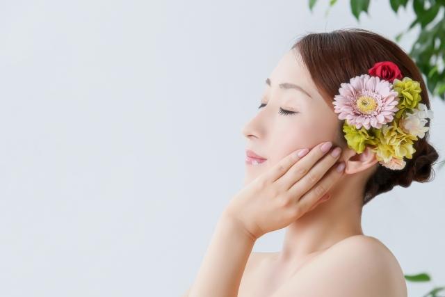 秋冬に硬くなりがちな肌をふっくら柔らかに、乳液の役割とは 04