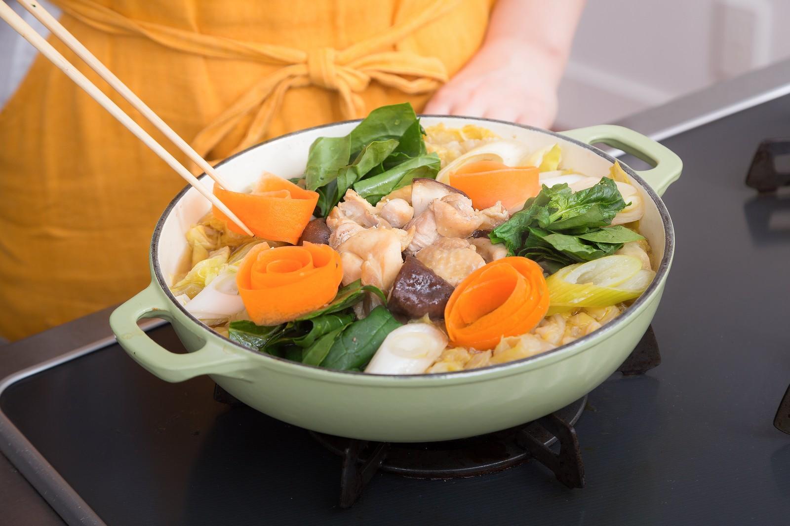 体を温める「温活」始めよう!美容効果期待大の鍋&温デザートとは?